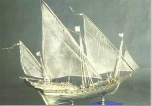Modellino in argento di uno sciabecco, imbarcazione araba usata dai corsari